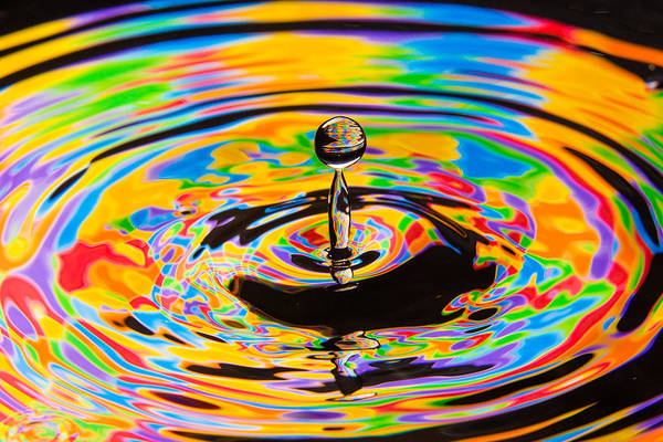 Photograph - Color Wheel Water Column by SR Green