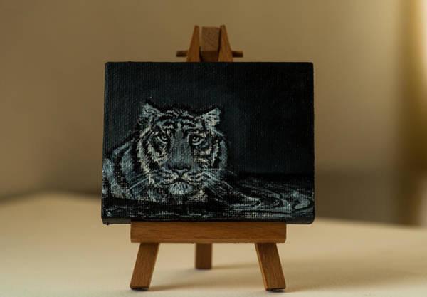 Painting - Coming Through by Elizabeth Mundaden