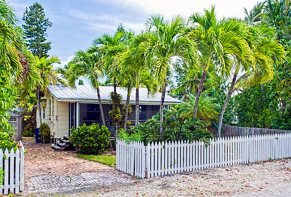 Photograph - Conch Key Cottage With Picket Fence 1 by Ginger Wakem
