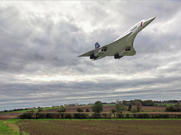 Photograph - Concorde - High Speed Pass by Paul Gulliver