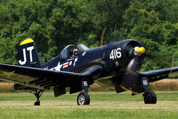 Wall Art - Photograph - Corsair Close-up by Peter Chilelli