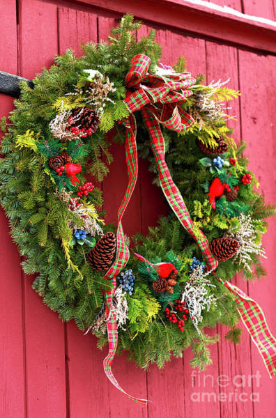 Photograph - Country Christmas Wreath by John Rizzuto