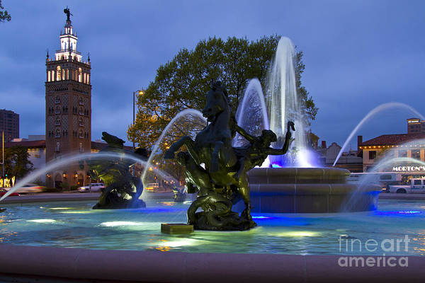 Country Club Plaza Photograph - Country Club Plaza Kansas City Missouri by ELITE IMAGE photography By Chad McDermott