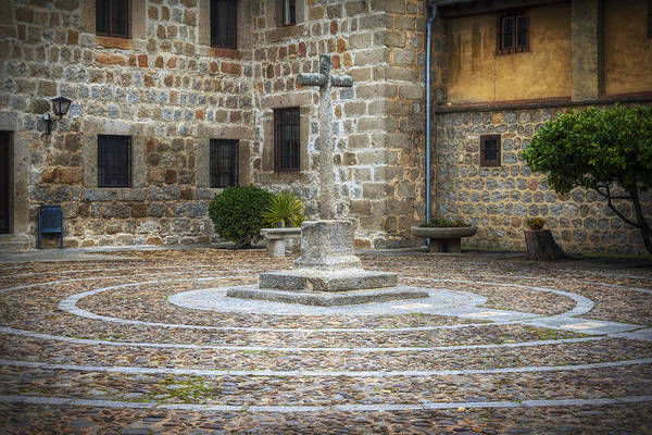Photograph - Courtyard At Convent Of The Incarnation by Joan Carroll
