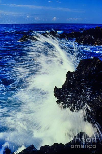 Photograph - Crashing Surf Hawaii by Thomas R Fletcher
