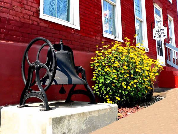 Photograph - Crew House Museum by Kathy K McClellan