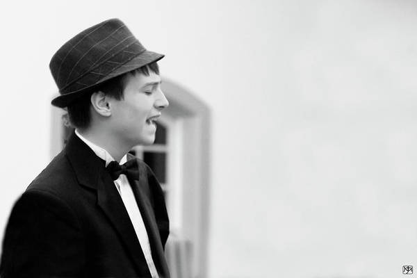 Photograph - Crooner by John Meader