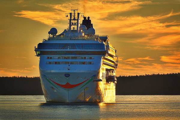 Photograph - Cruise Ship At Dawn by Stuart Litoff