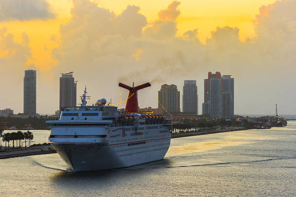 Photograph - Cruising Into Miami by Ed Gleichman