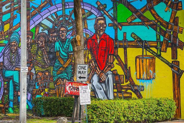Photograph - Cuban Street Art by Dart and Suze Humeston