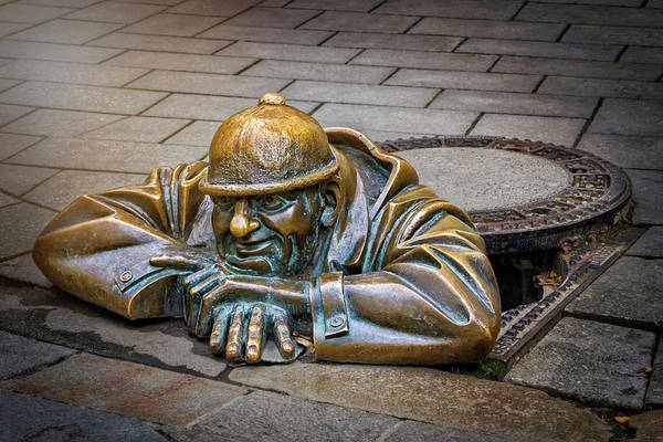 Men At Work Wall Art - Photograph - Cumil The Peeper Man At Work In Bratislava  by Carol Japp