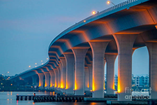 Photograph - Curvy Bridge by Tom Claud