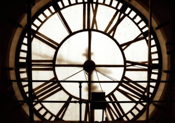 Photograph - D And F Clocktower Face by Marilyn Hunt