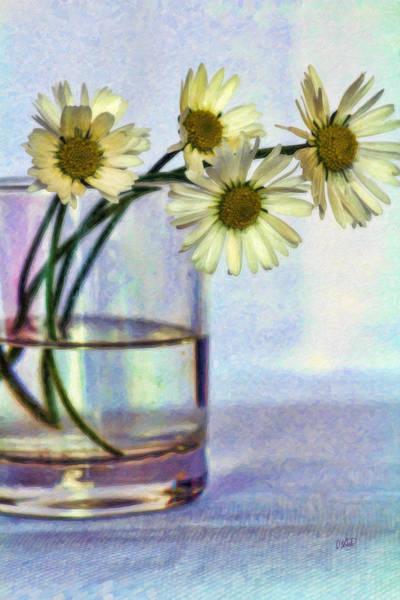 Painting - Daisies In Vase Stl646637 by Dean Wittle
