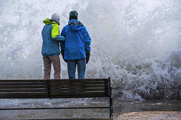 Photograph - Daredevils Watching A Huge Splash On The Lynn Waterfront Lynn Ma by Toby McGuire