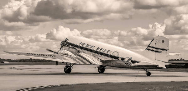 Photograph - Dc-3 Vintage Look by Greg Reed