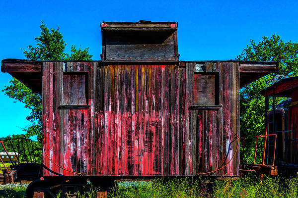 Red Caboose Photograph - Decaying Caboose by Garry Gay