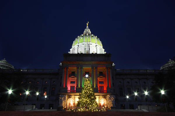 Harrisburg Pa Photograph - Deck The Halls by Shelley Neff