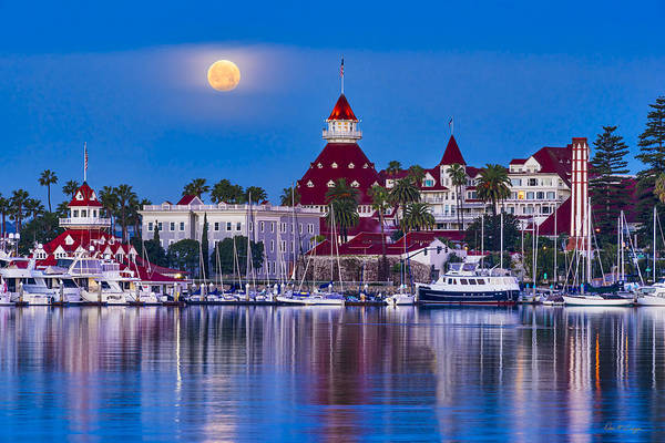 Photograph - Del Moonset by Dan McGeorge