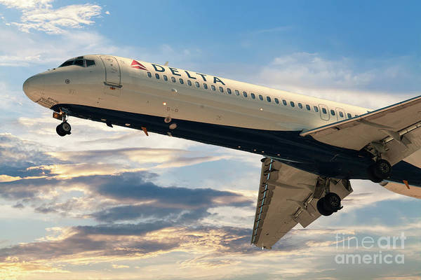 Photograph - Delta 9522 On Final Approach Into Charleston Sc by Dale Powell