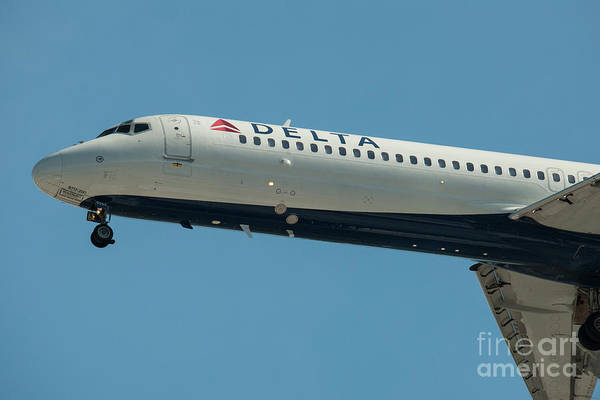 Photograph - Delta 9565 by Dale Powell