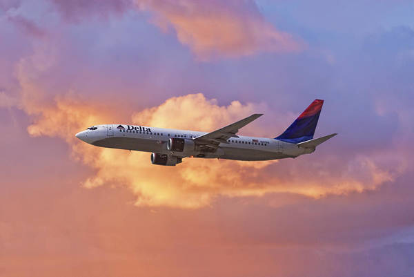 Delta Air Lines Wall Art - Photograph - Flying The Sunset - Delta Air Lines Boeing 737-400 by Erik Simonsen