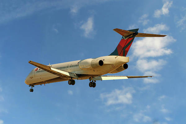 Wetlands Photograph - Delta Airlines Boeing 717-200 by Smart Aviation