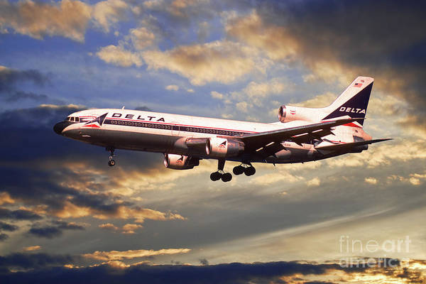 Delta Air Lines Wall Art - Digital Art - Delta Airlines Lockheed L-1011 Tristar by J Biggadike