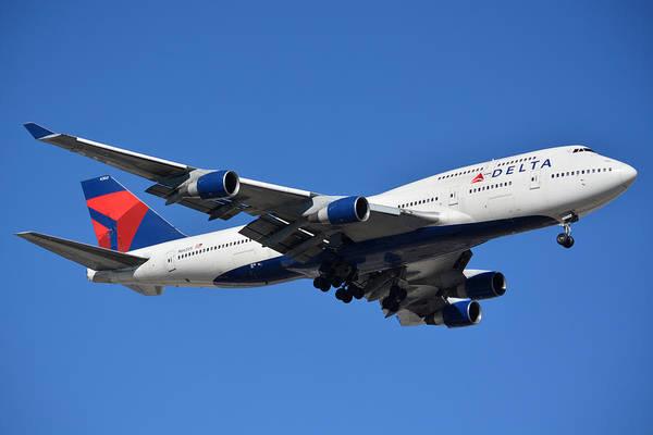 Wall Art - Photograph - Delta Boeing 747-451 N662us Phoenix Sky Harbor January 12 2015 by Brian Lockett