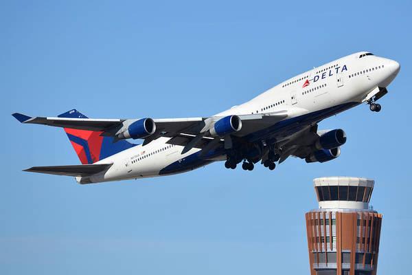 Wall Art - Photograph - Delta Boeing 747-451 N674us Phoenix Sky Harbor January 12 2015 by Brian Lockett