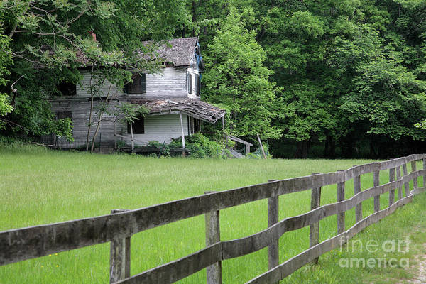 Wall Art - Photograph - Deserted House Near Pennyfield Lock On The C And O Canal by William Kuta