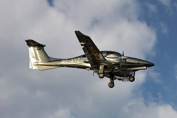 Diamond Photograph - Diamond Aircraft Diamond Da-62 5 by Smart Aviation