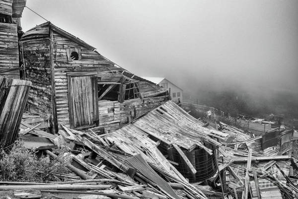 Photograph - Dilapidated Gold Mine by Paul Quinn