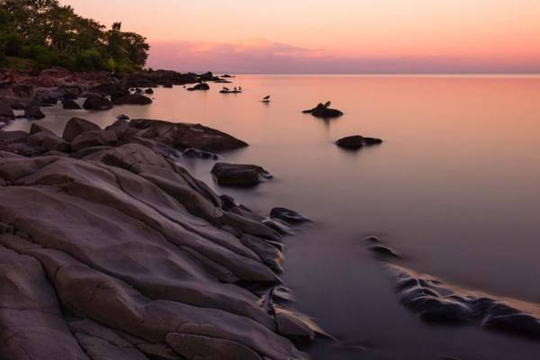 Lake Superior Wall Art - Photograph - Dimming Of The Day by Mary Amerman
