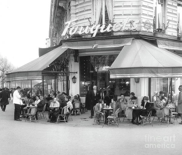 Brasserie Wall Art - Photograph - Diners At Clients At Fouquet's In Paris, 1969 by French School