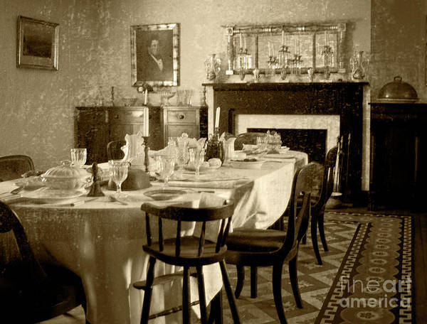 Photograph - Dinner Is Ready by Pete Hellmann
