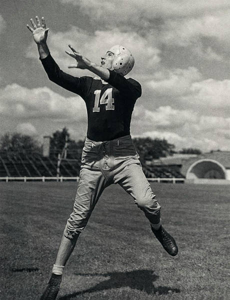Photograph - Don Hutson Of The Green Bay Packers by Doc Braham
