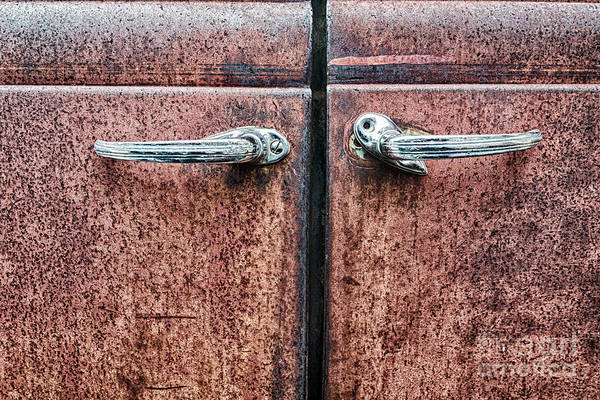 Plymouth Photograph - Abandoned Door Handles by Paul Quinn