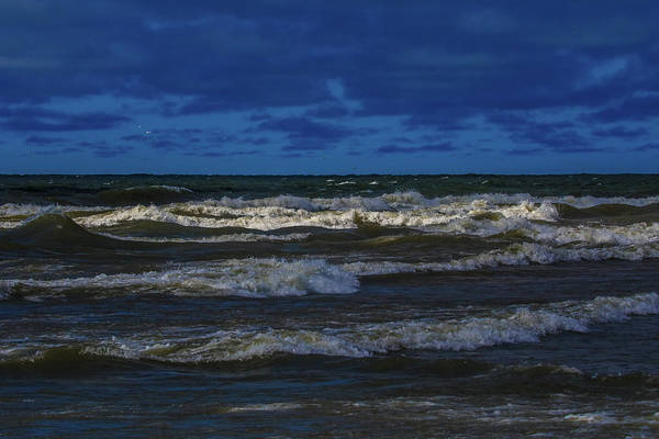 Photograph - Dramatic Lake Michigan Storm Waves by Dan Sproul