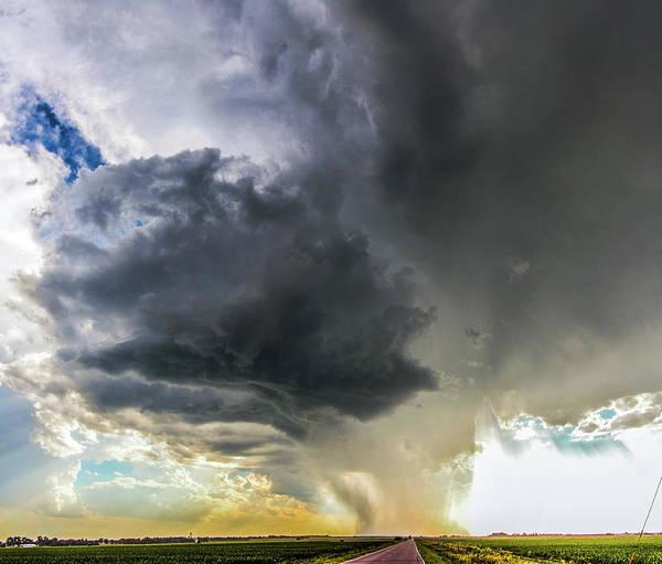 Photograph - Dry High Based Nebraska Thunderstorm 006 by NebraskaSC