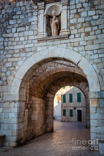 Dubrovnik Photograph - Dubrovnik Entrance by Inge Johnsson