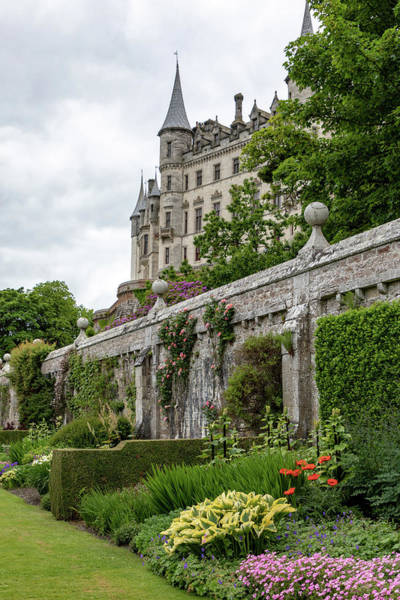Photograph - Dunrobin Castle 1352 by Teresa Wilson