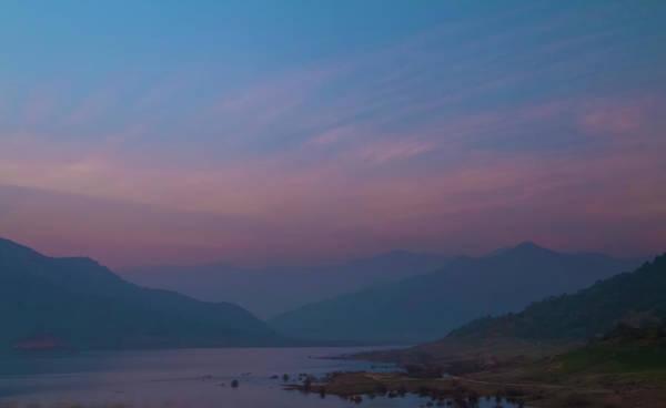 Photograph - Dusk At Lake Kaweah by Patti Deters