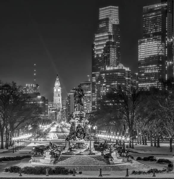Photograph - Eakins Oval Philadelphia Pa Bw by Susan Candelario