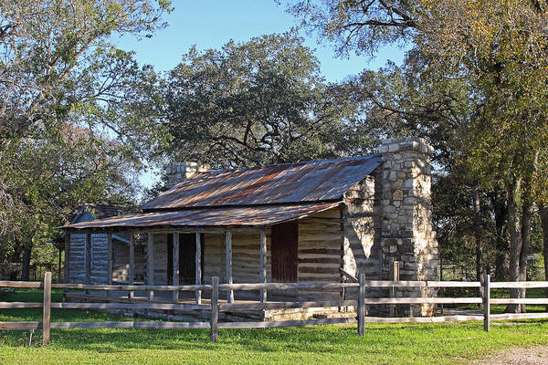 Mud House Photograph - Early Texas Log Canins by Linda Phelps
