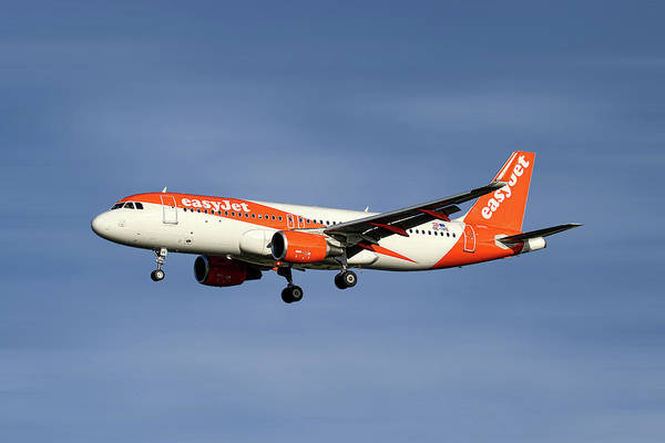 Easyjet Wall Art - Mixed Media - Easyjet Airbus A320-214 by Smart Aviation