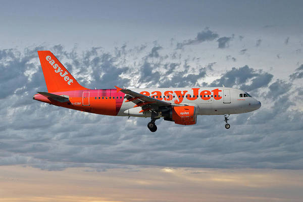 Airbus A319 Wall Art - Photograph - Easyjet Tartan Livery Airbus A319-111 by Smart Aviation