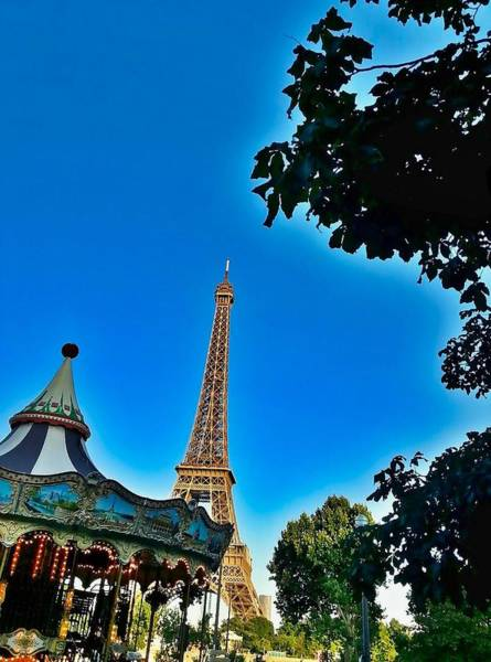 Ico Wall Art - Photograph - Eiffel Tower Fountain by Mark J Dunn