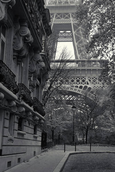 Photograph - Eiffel Tower by Richard Goodrich