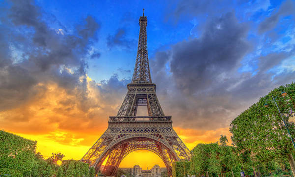 Eiffel Tower Sunset Art Print